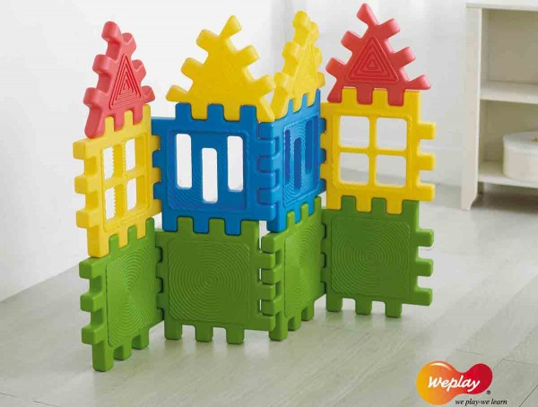 große-Bausteine-aus-Kunststoff
