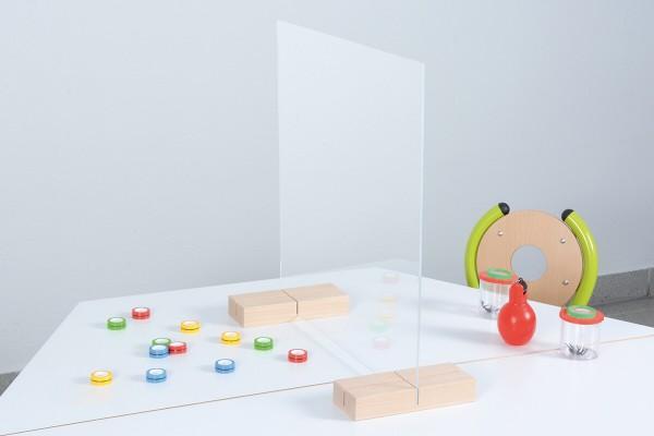 Tischtrennwand aus transparentem Kunststoff