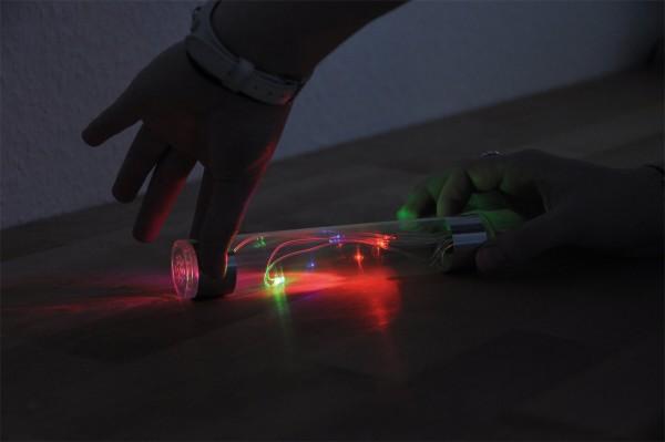 Energiestab für spanende Experimente im Dunklem