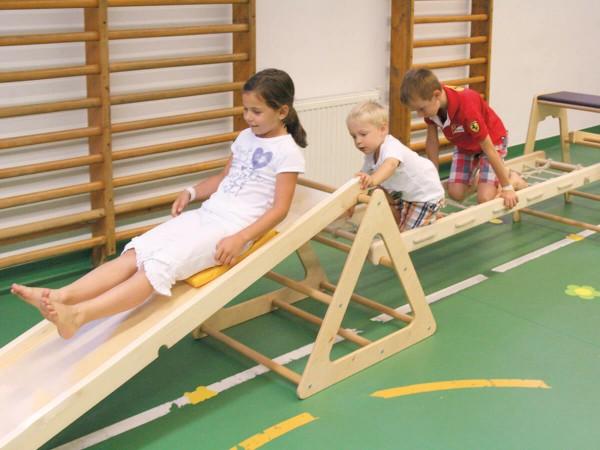 Bewegungsparcours-aus-Holz