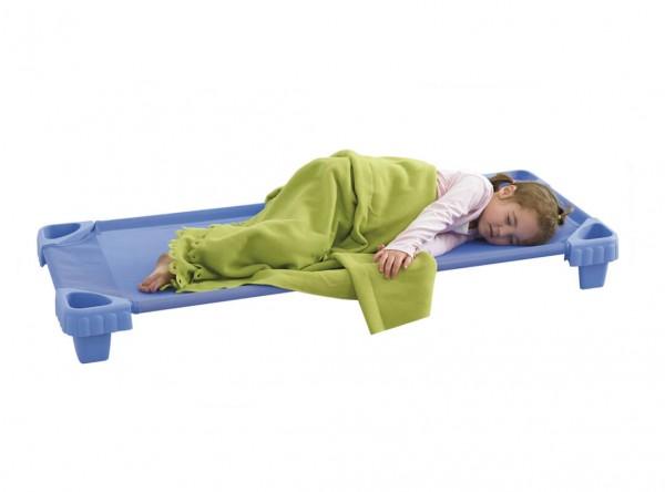 Stapelbare-Kinderliege-aus-Kunststoff