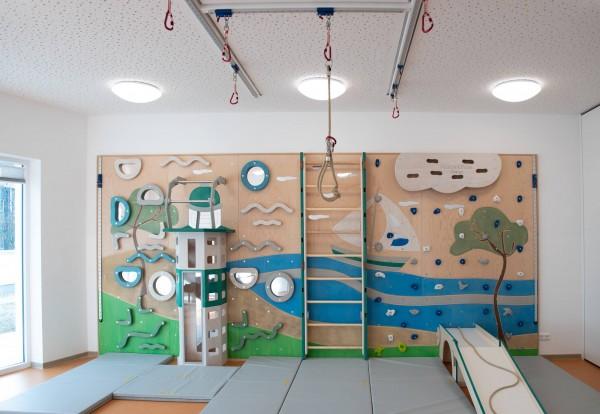 Kindergarten-Kletterwand-Leuchtturm